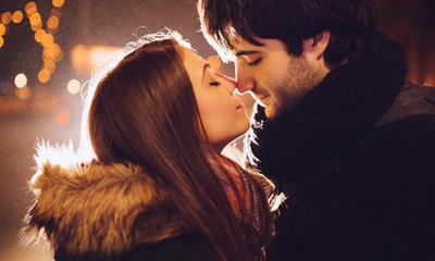 how to make it feel like you re kissing someone