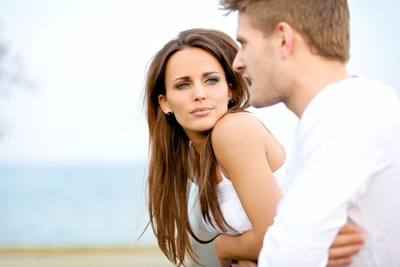 13 Signs She Wants You to Make a Move - EnkiRelations