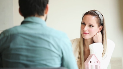 13 Subtle Signs That She Definitely Likes You - EnkiRelations