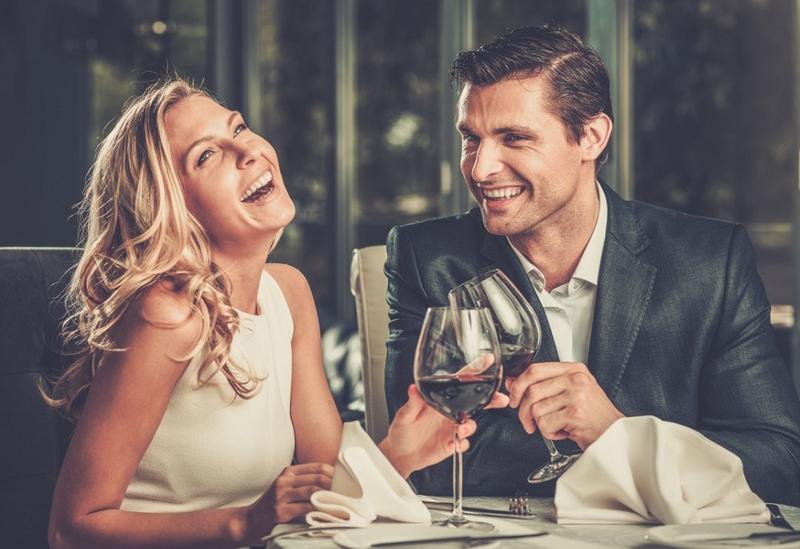 Resultado de imagen para 9 Signs Of Physical Attraction Between Two People
