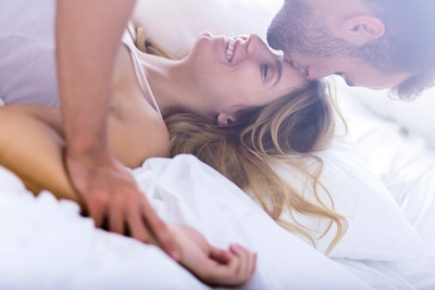 cuddling positions that will turn him on