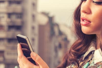 How Often Should He Be Texting Me? - EnkiRelations