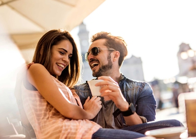 8 Signs She Wants to Be Your Girlfriend - EnkiRelations